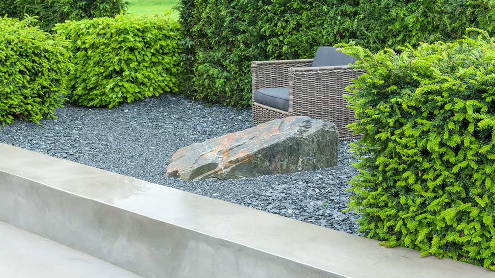 IQ Quarry Garden Designed by	: Paul Hervey-Brookes Built by	: Gareth Wilson Sponsored by	: Institute of Quarrying Award	: GOLD Medal & BEST Show Garden & BEST Construction